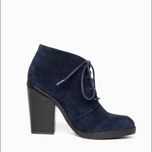 Shoemint Size 7 Fanny Navy Blue Lace Up Booties
